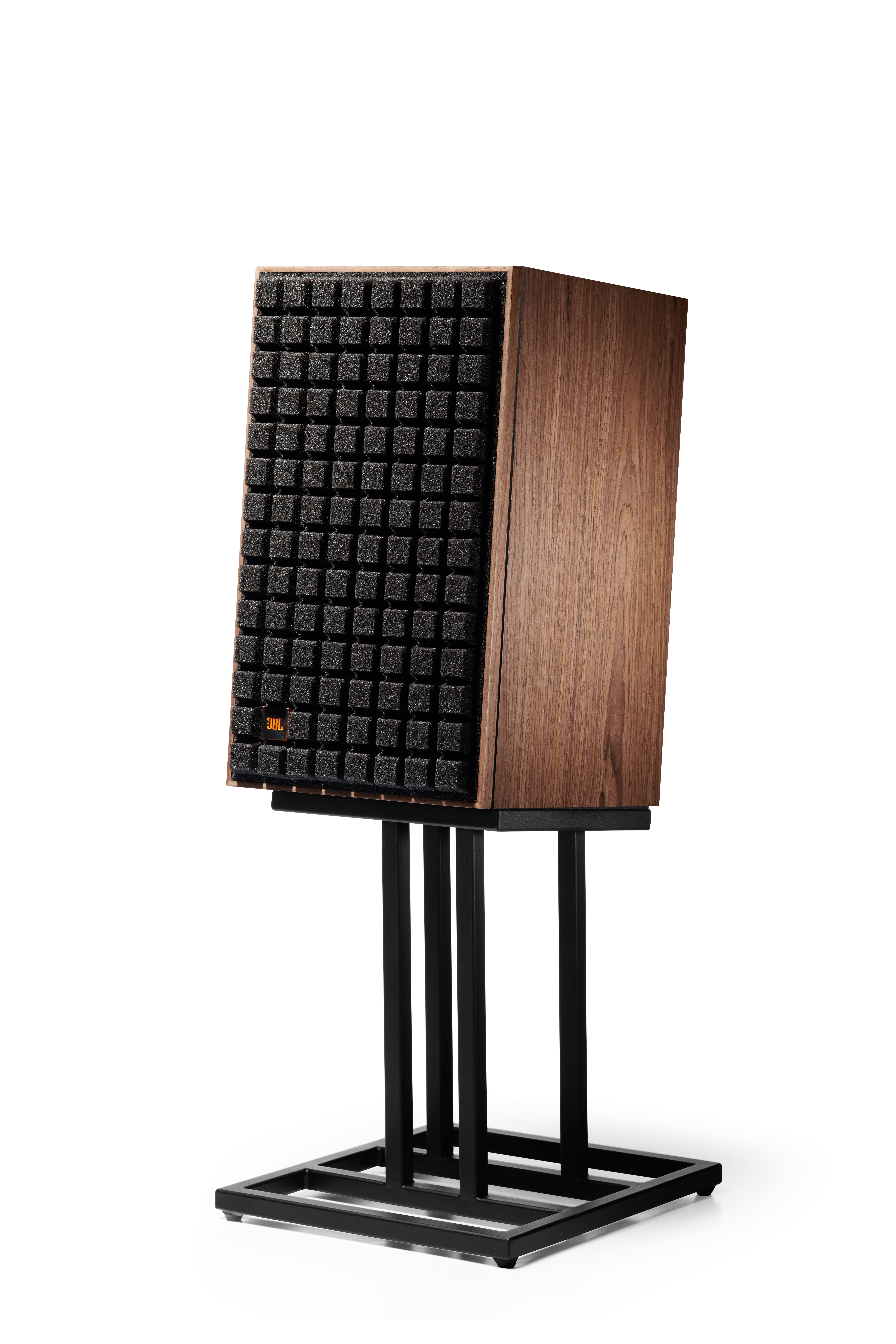 "L82 Classic - Black - 8"" (200mm) 2-way Bookshelf Loudspeaker - Hero"