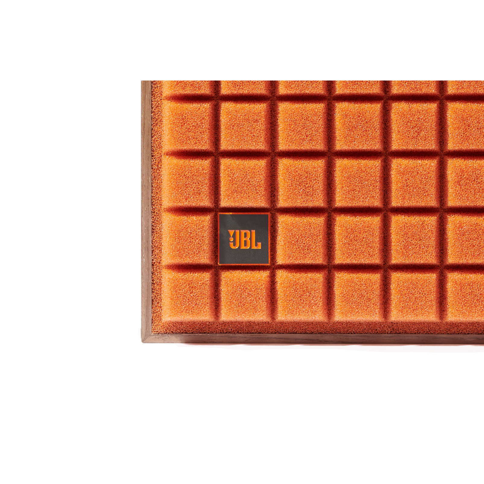 L82 Classic - Orange - 2-way 8-inch (200mm) Bookshelf Loudspeaker - Detailshot 1