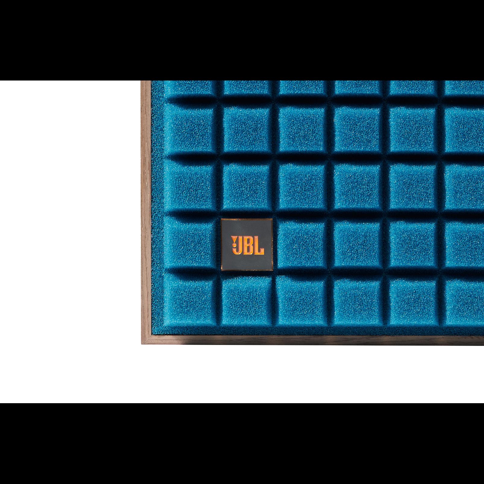 "L82 Classic - Blue - 8"" (200mm) 2-way Bookshelf Loudspeaker - Detailshot 1"
